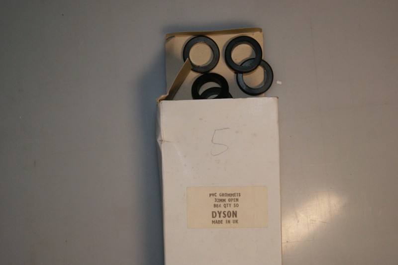 PVC Grommet 32mm Open