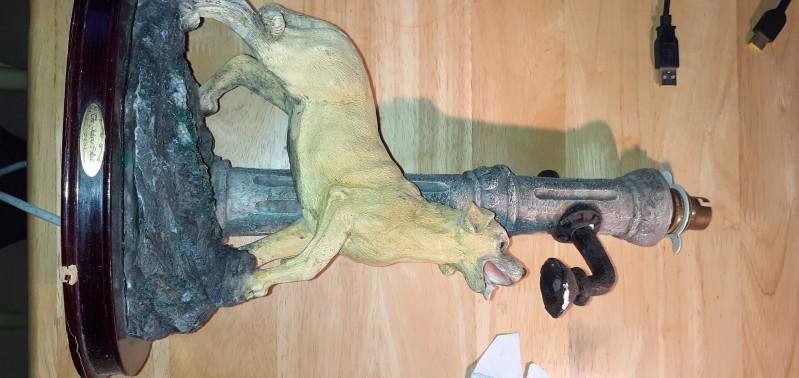 thirsty dog lamp base